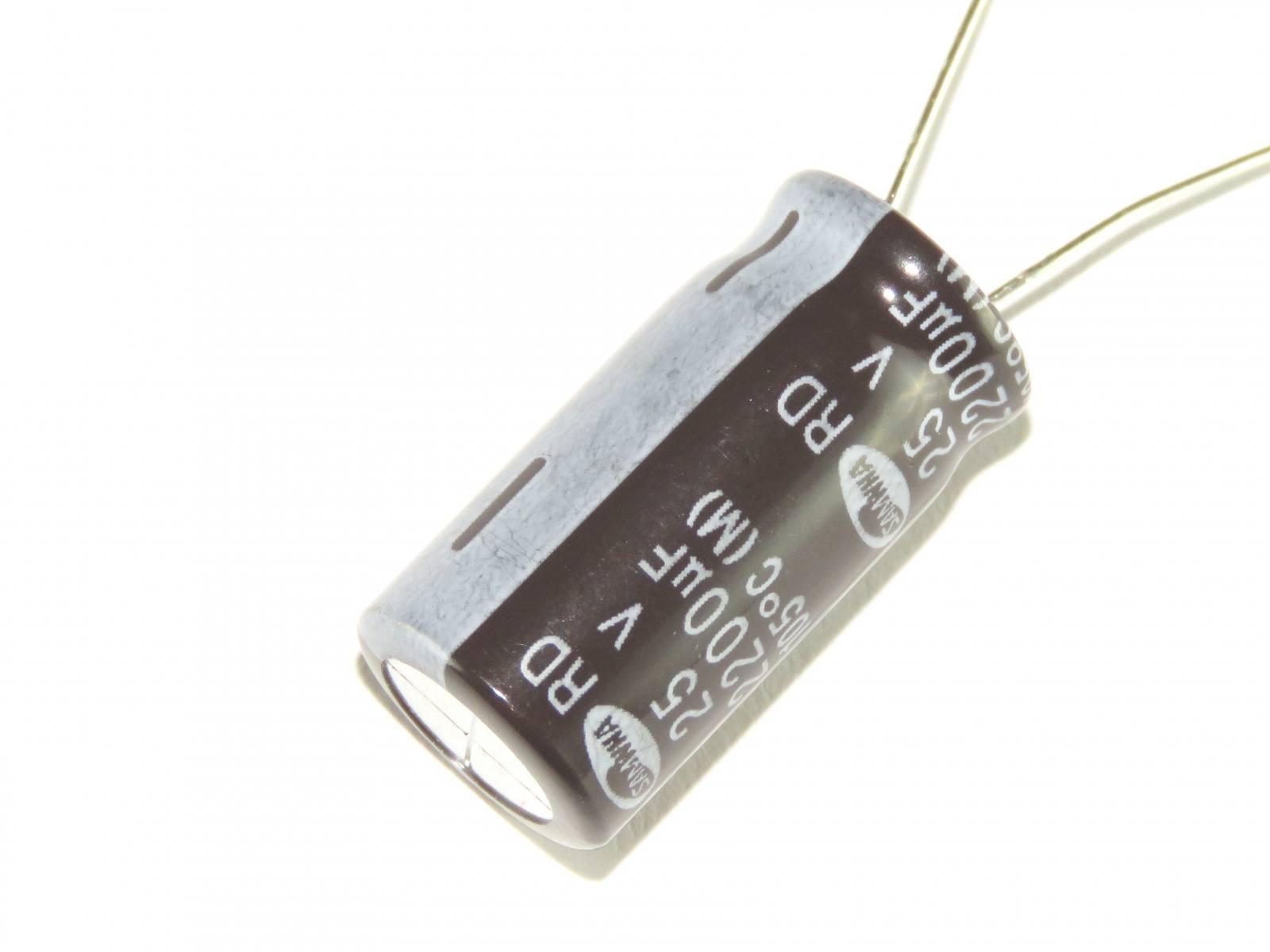 Condensateur oxydés THT 2200uf 25vdc ø18x15mm ± 20/% urz1e222mhd1tn électriques